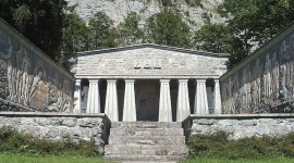 Paxmal Monument